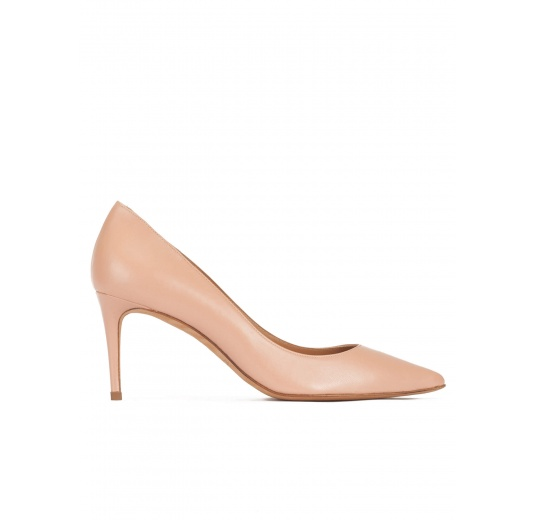 Mid heel sharp point-toe pumps in nude leather Pura L�pez