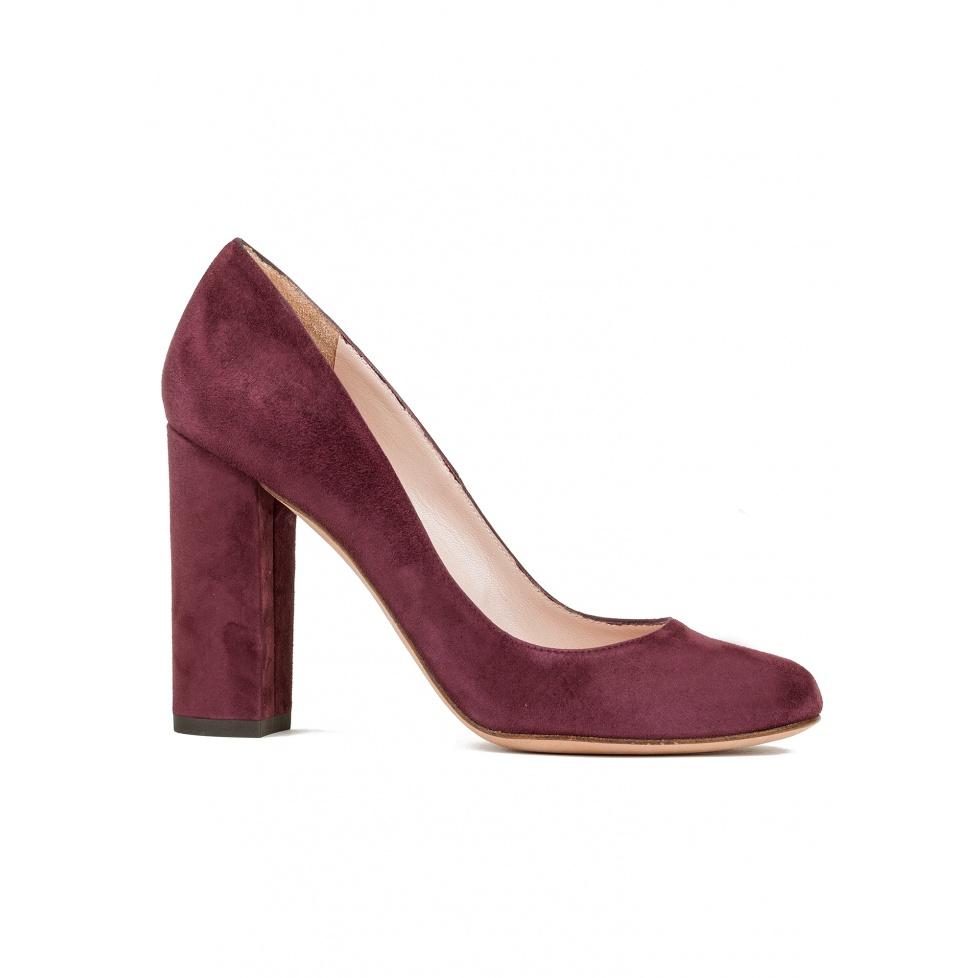 Block high heel pumps in burgundy suede