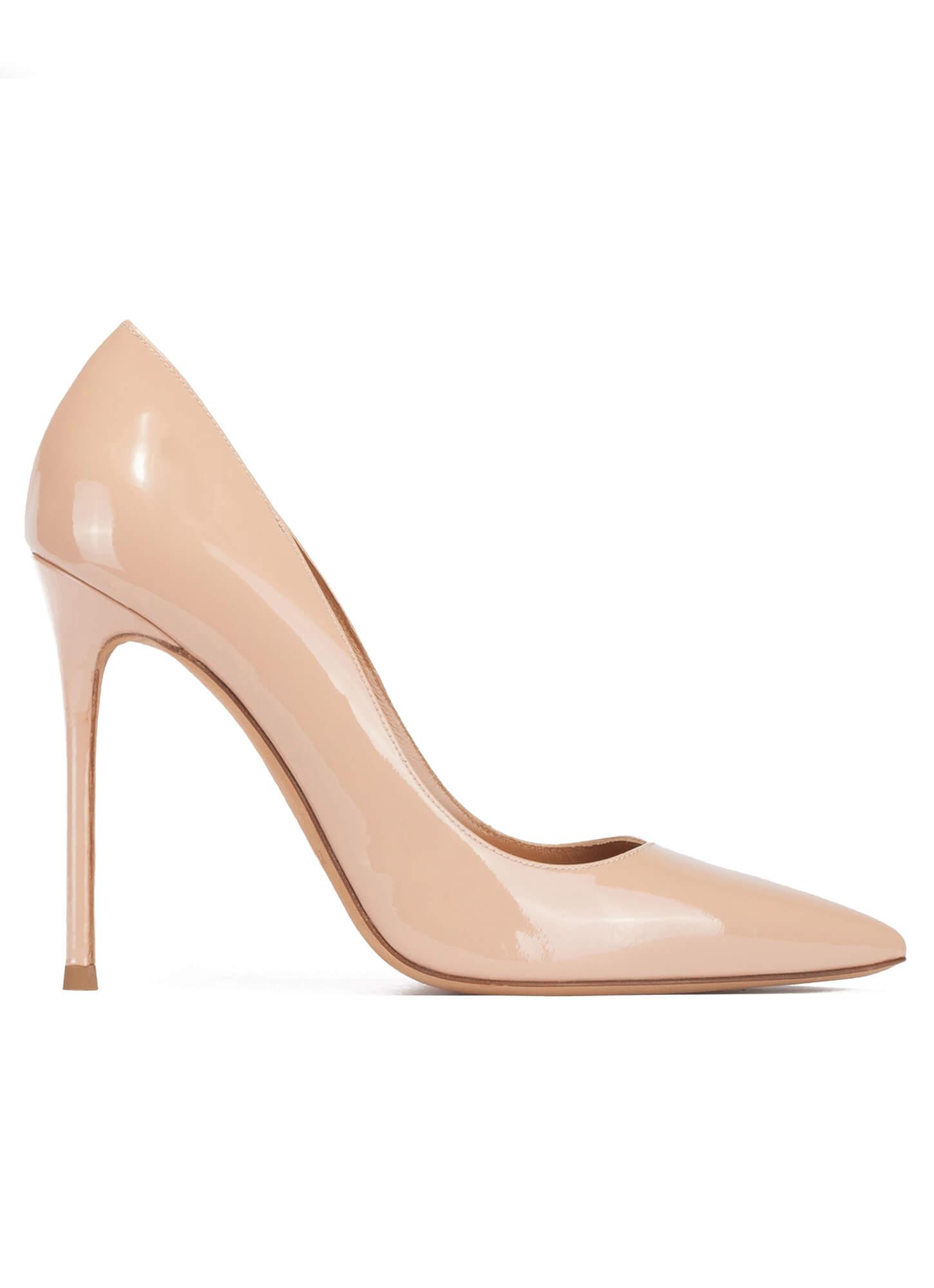 Zapato salón para mujer en color nude de charol