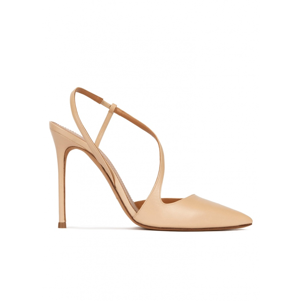 Heeled point-toe slingback pumps in beige leather
