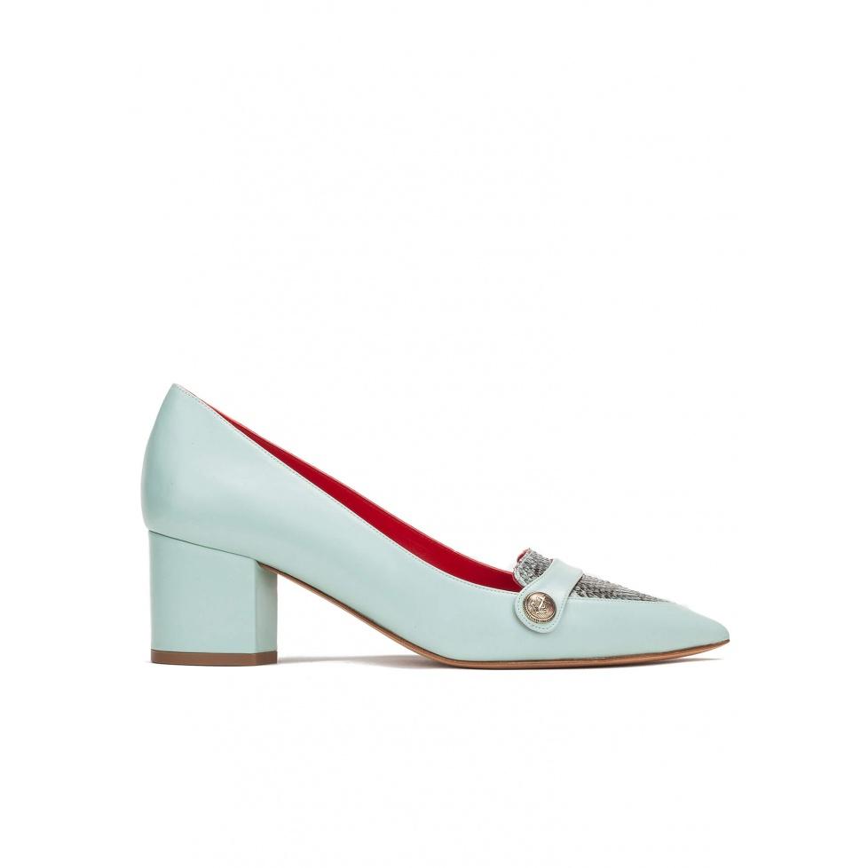 Zapatos de tacón medio en piel aguamarina y piel de serpiente roccia