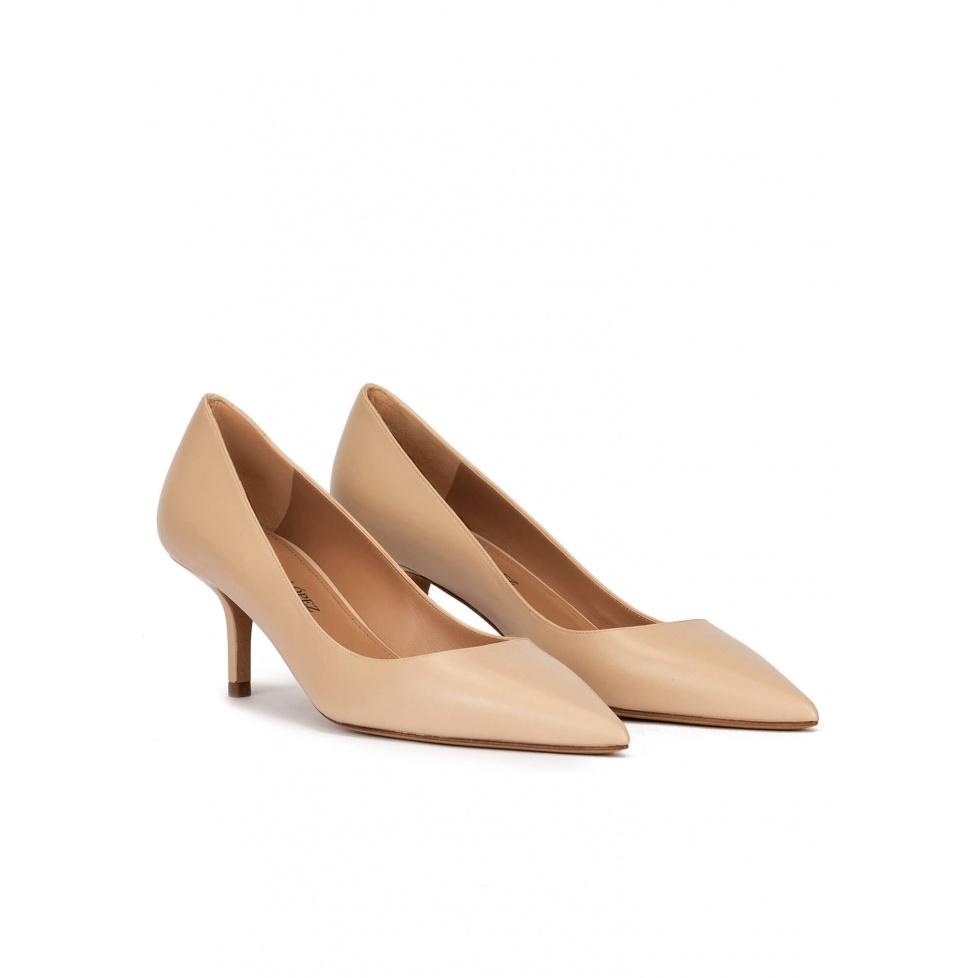 Zapatos de salón con tacón medio en piel beige