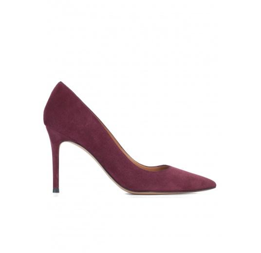 Zapatos de salón en ante color berenjena Pura L�pez