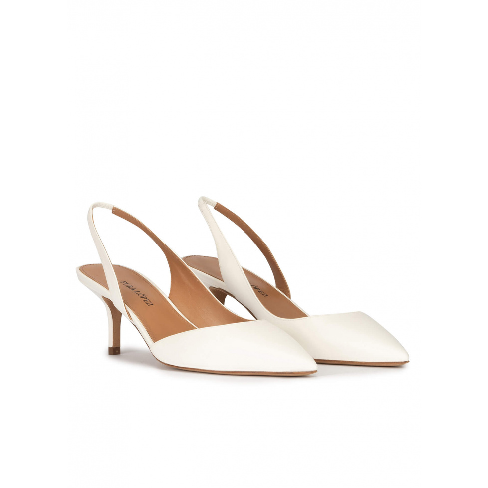Slingback low heel pumps in offwhite leather