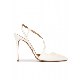 High heel pointed toe slingback pumps in off-white leather Pura López