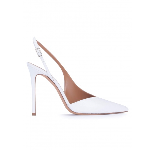 Asymmetric heeled slingback pumps in white calf leather Pura López
