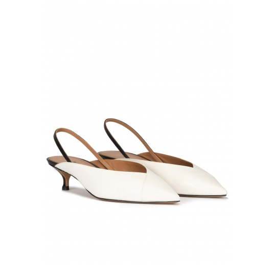 Off-white kitten heel slingback pumps in leather Pura López