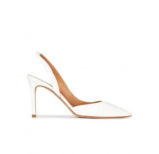 Slingback heeled pumps in off-white leather Pura López