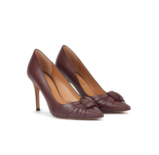 Knot-embellished high heel pumps in burgundy leather Pura L�pez