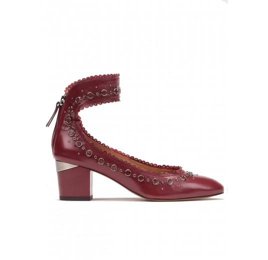 Ankle strap mid heel shoes in burgundy leather Pura L�pez