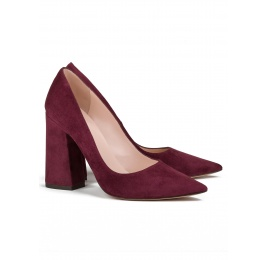 High block heel pumps in burgundy suede Pura López