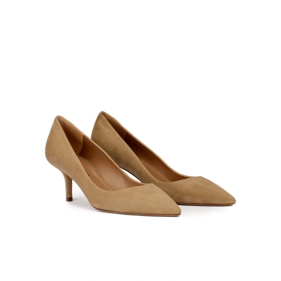 Mid heel point-toe pumps in camel suede