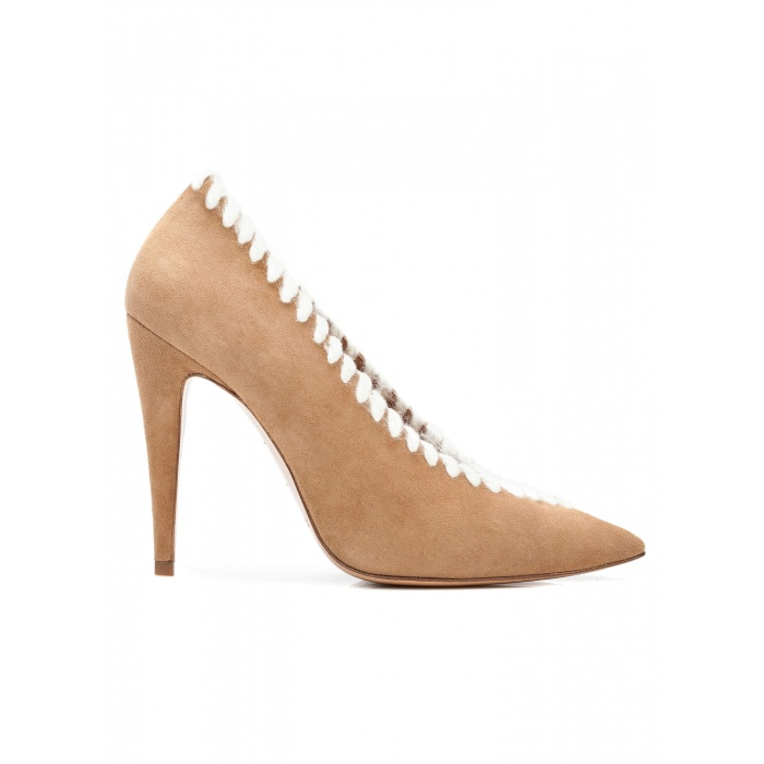 V-cut high heel pumps in camel suede with woolen stitching
