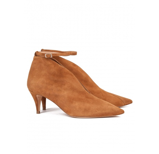 Ankle strap mid heel shoes in chestnut suede Pura L�pez