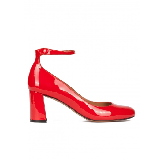 Ankle strap block heel shoes in red patent leather Pura L�pez