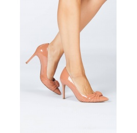 Old rose laser-cut high heel pumps in patent leather Pura López