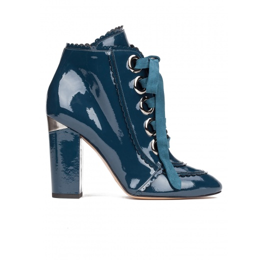 Lace-up high block heel ankle boots in petrol blue patent leather Pura López