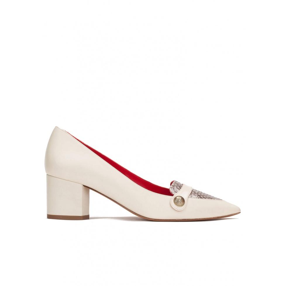 Zapatos de tacón medio en piel crema y piel de serpiente roccia