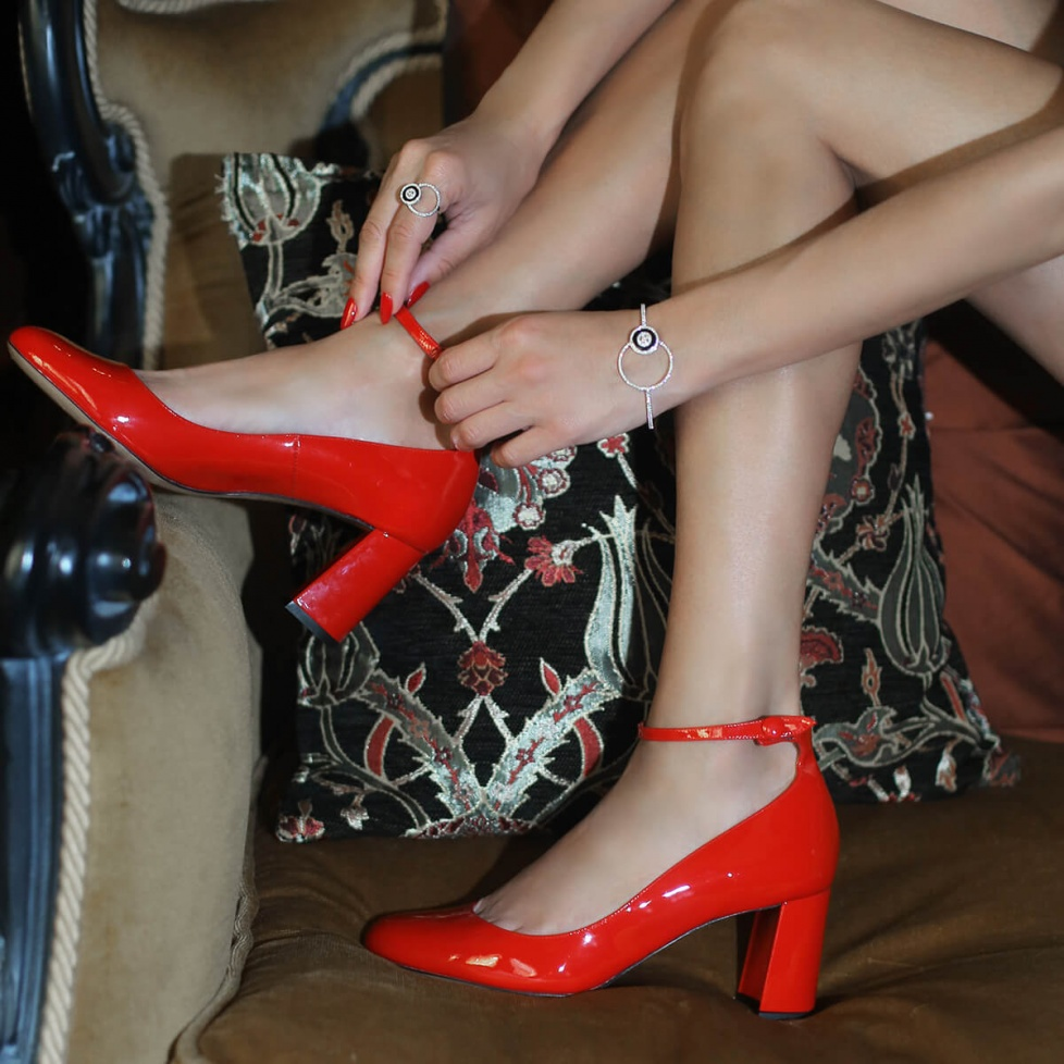 Ankle strap block heel shoes in red patent leather