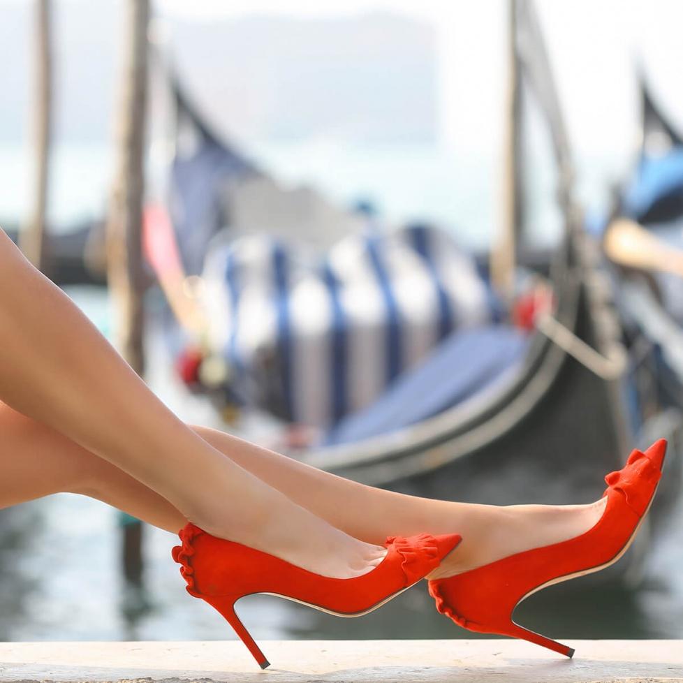 Zapatos rojos con volantes - tienda de zapatos Pura López