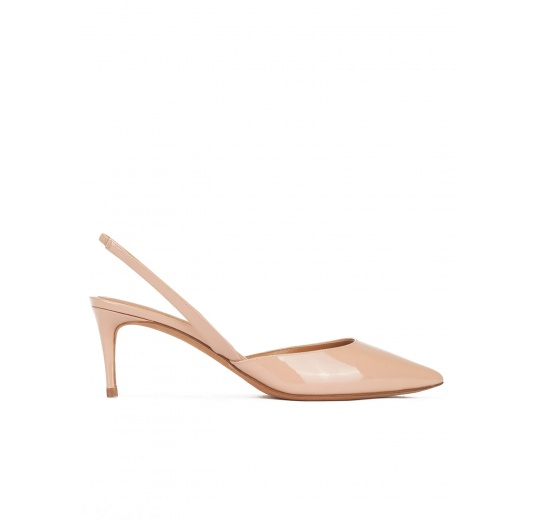 Mid-heeled pointy toe sling-back shoes in nude patent leather Pura L�pez