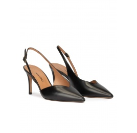 Mid heel slingback shoes in black leather Pura López