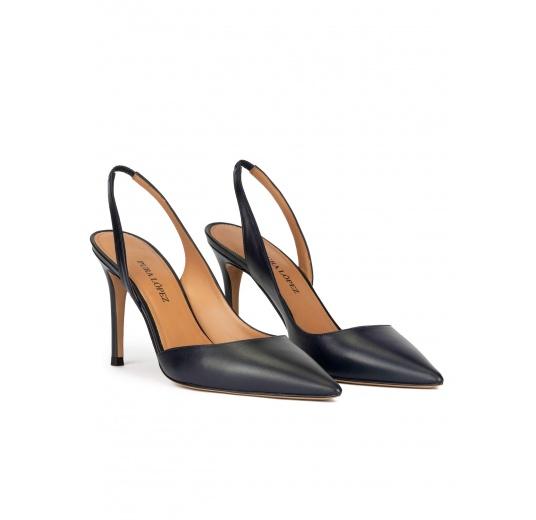 Zapatos destalonados de tacón alto y punta fina en piel azul marino Pura López