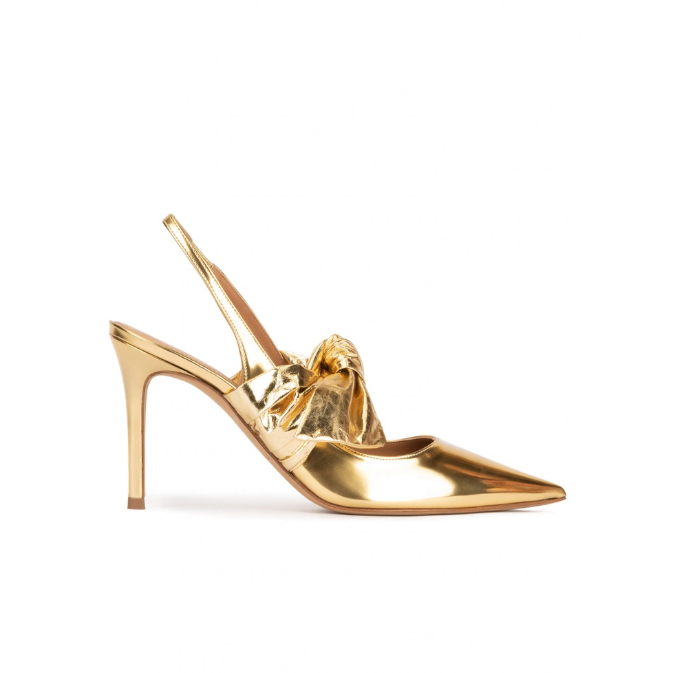 Bow detailed heeled slingback shoes in gold mirrored leather