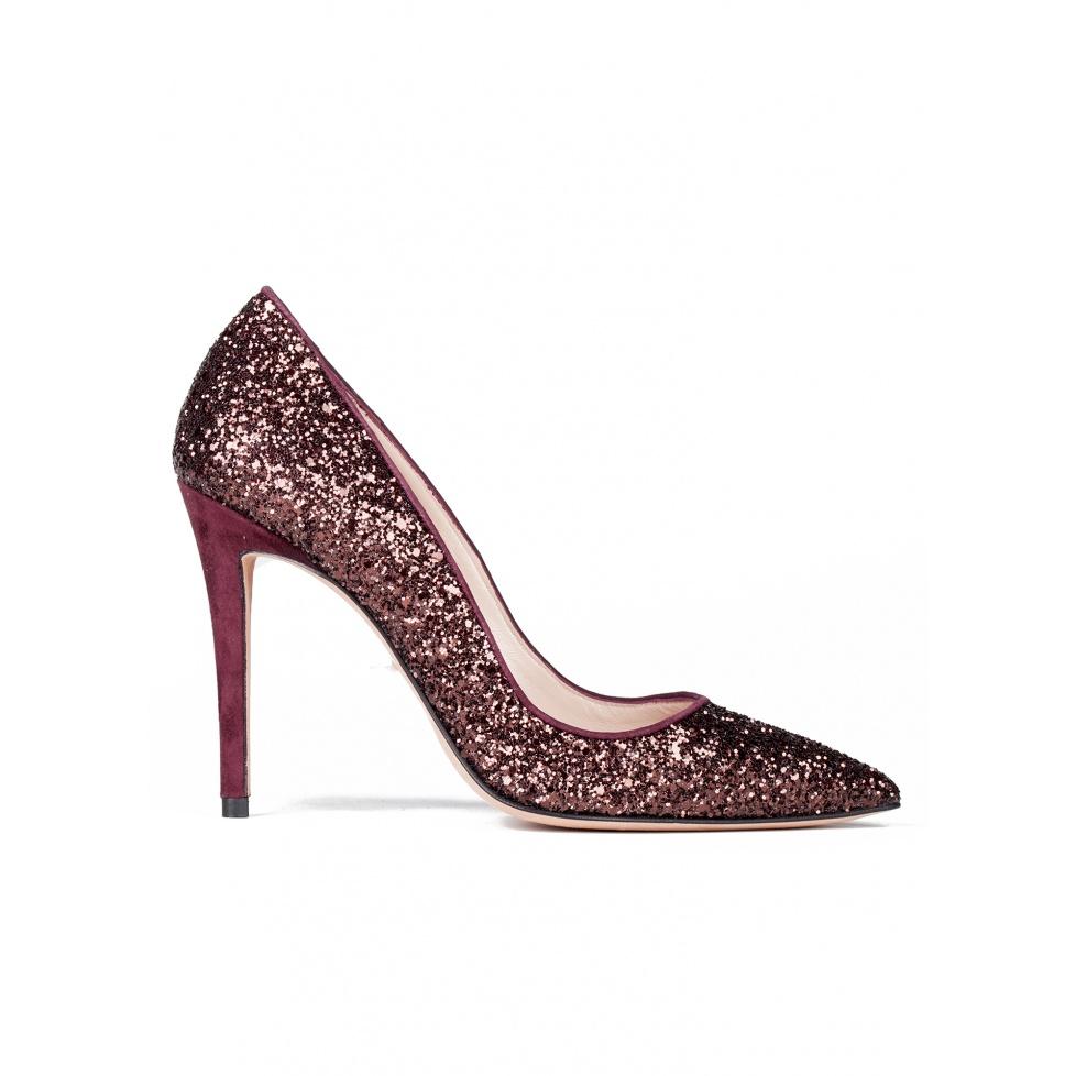 High heel pumps in burgundy glitter