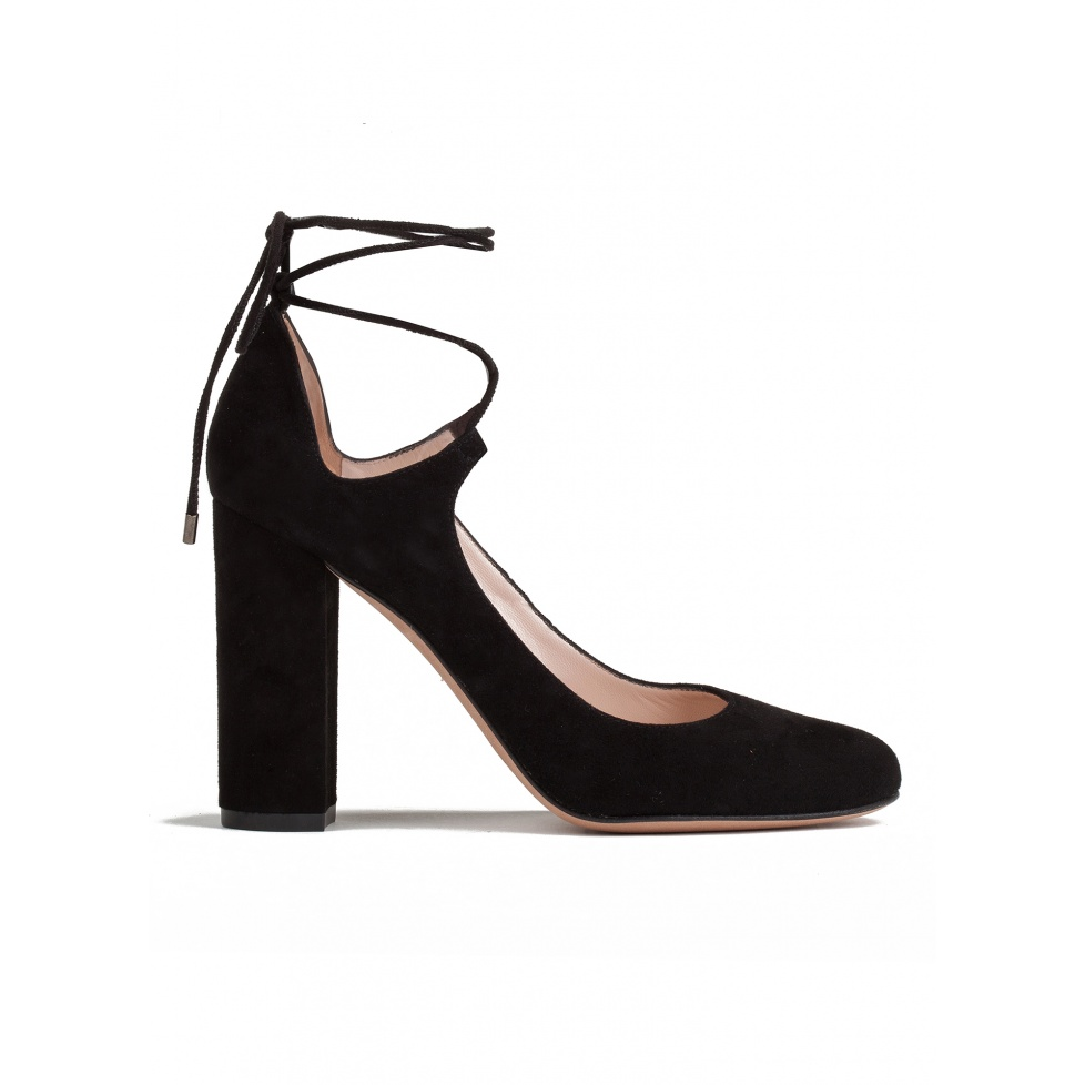Zapatos de tacón alto en ante negro