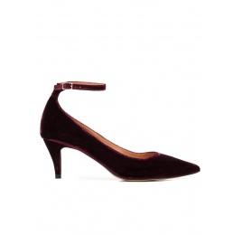 Ankle strap mid heel pumps in burgundy velvet Pura López