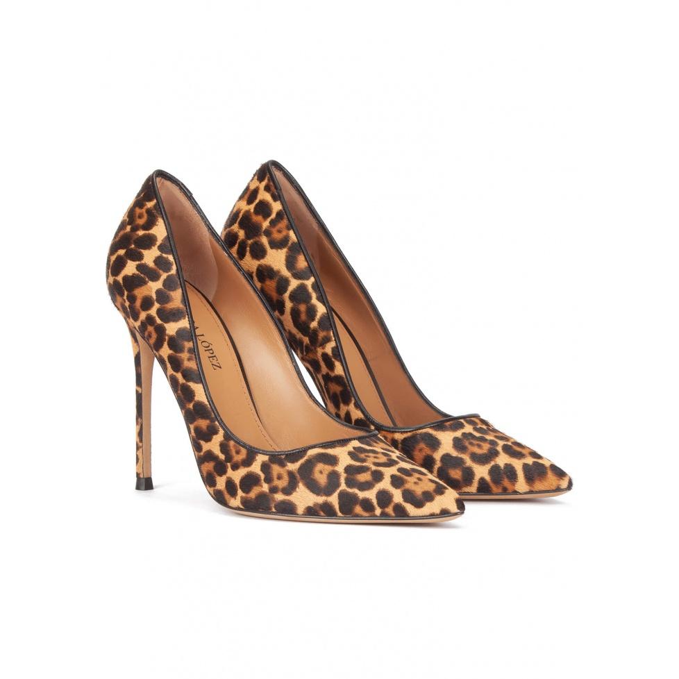 Zapatos de tacón alto en pelo con print de leopardo