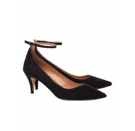 Ankle strap mid heel pumps in black suede Pura López