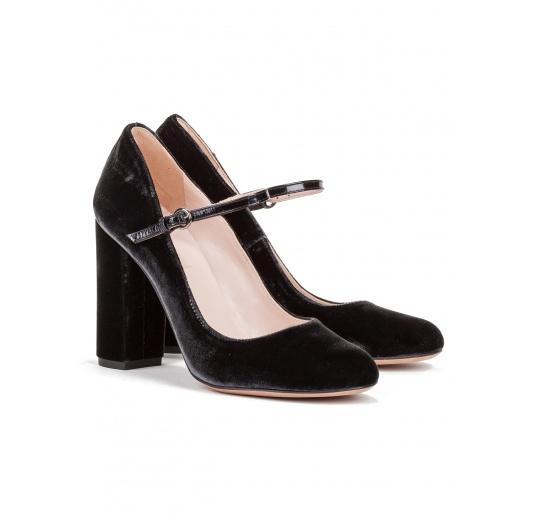 High heel shoes in grey velvet Pura L�pez
