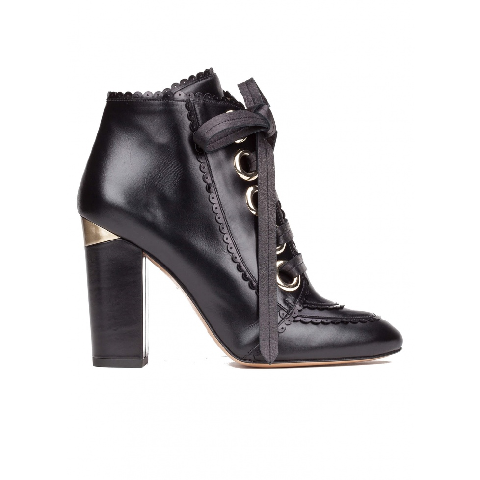 Lace-up high block heel ankle boots in black leather