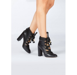 Black leather lace-up high block heel shoes Pura López