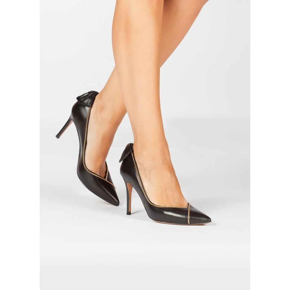 Zapatos negros en piel con lazo  - tienda de zapatos Pura López