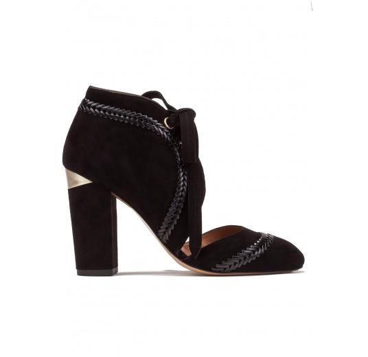 Zapatos de tacón alto en ante negro con cordones Pura López