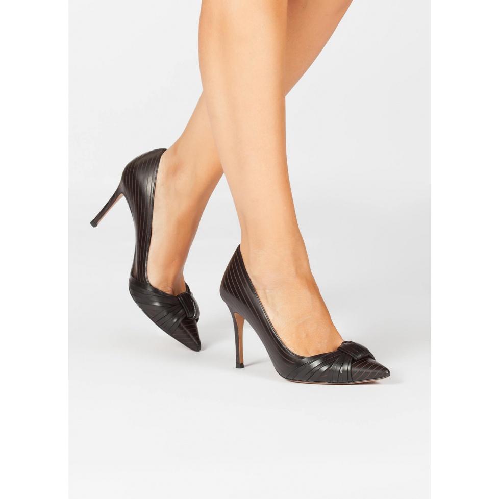 Black leather knot laser-cut high heel pumps