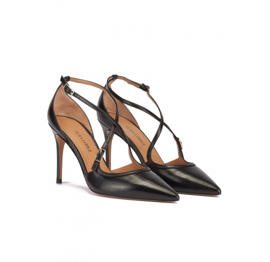 Crossover straps high heel pumps in black leather Pura L�pez