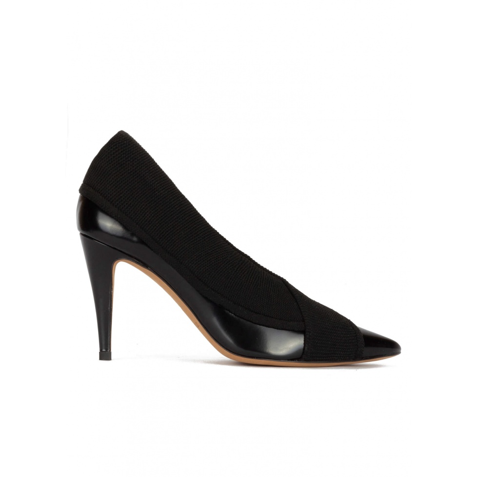 Black high heel point-toe shoes in leather with fabric