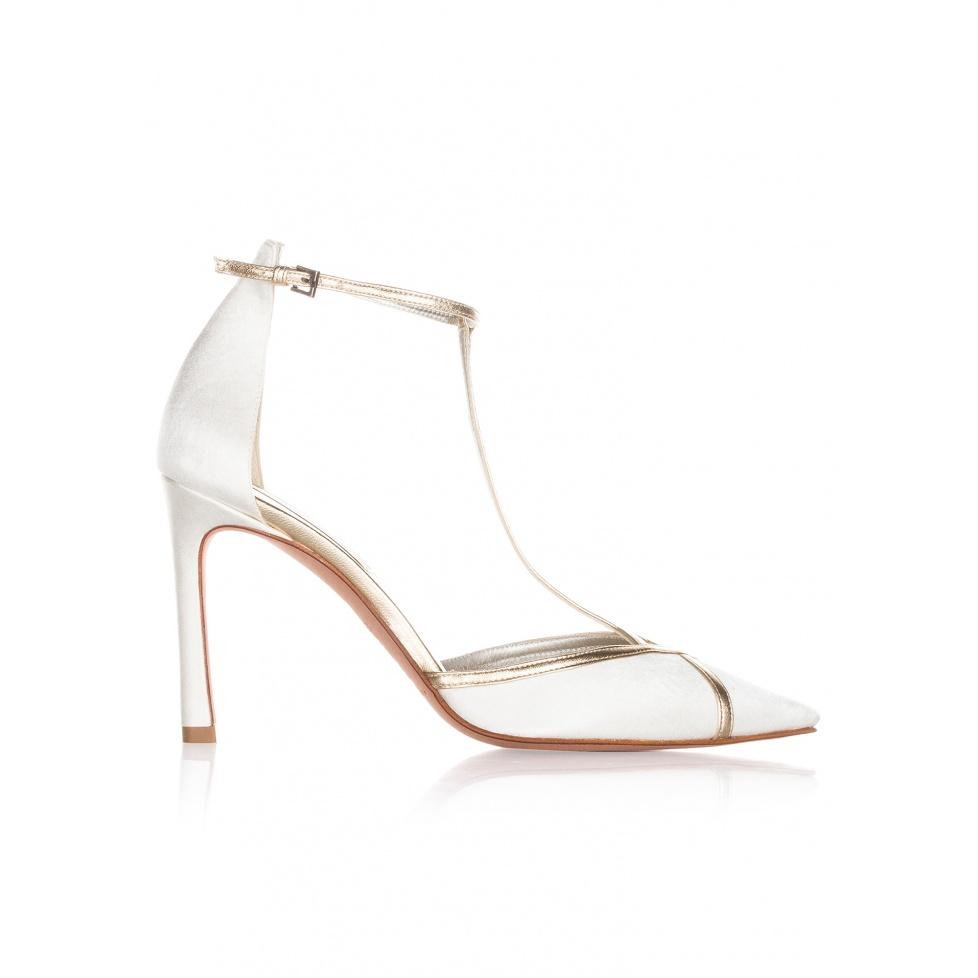 Zapatos de novia de tacón alto en raso blanco y piel dorada