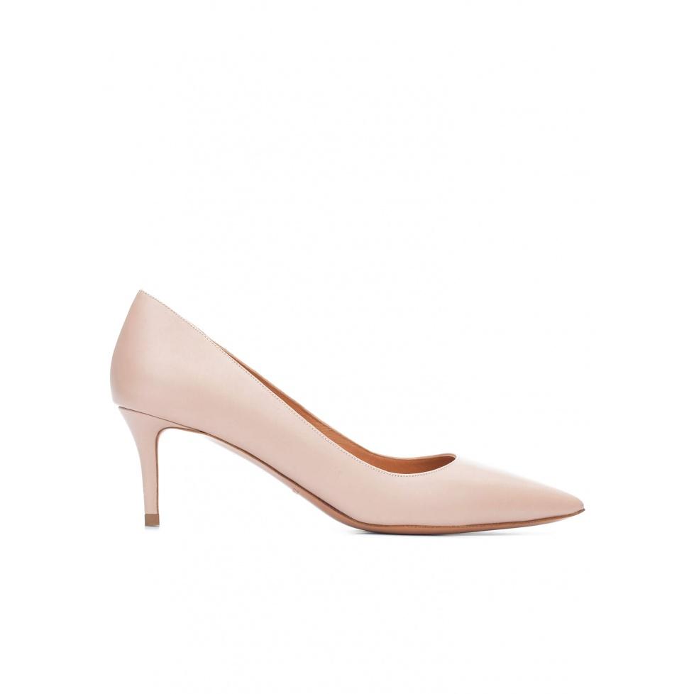 Mid heel pumps in nude calf leather