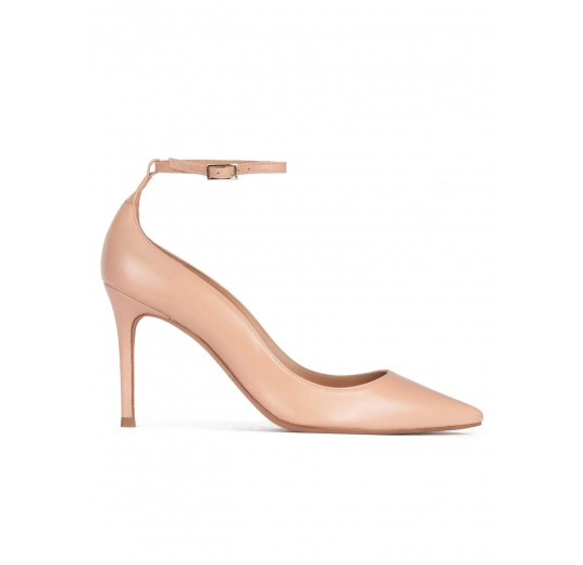 Ankle strap high heel point-toe shoes in nude leather Pura López
