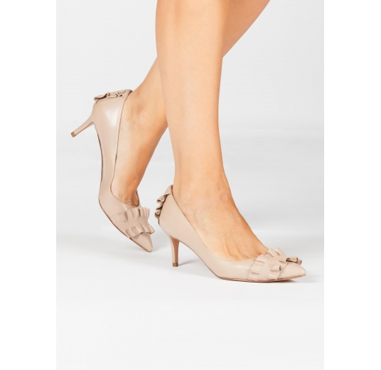 Ruffled pointed toe mid heel pumps in nude leather Pura L�pez