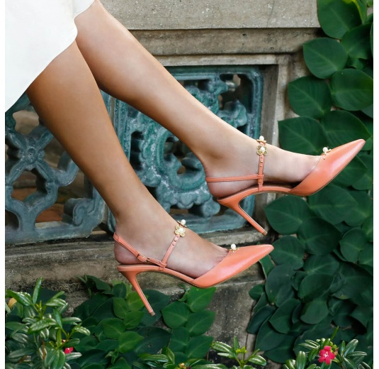 Flower detailed high heel slingback pumps in old rose leather Pura L�pez