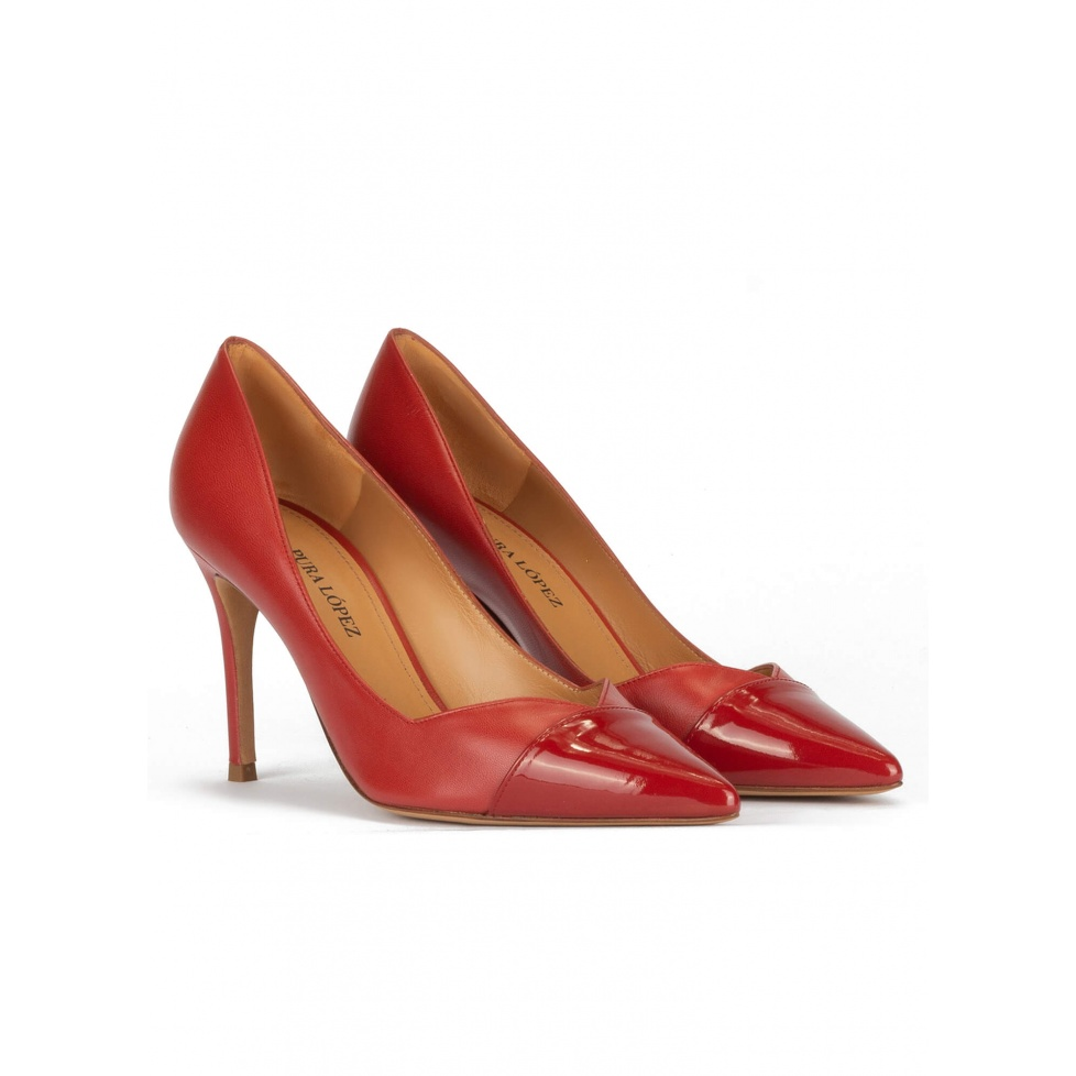 Zapatos de tacón alto y punta fina en piel rojo teja