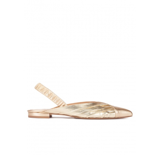 Slingback pointy toe flats in gold leather Pura L�pez