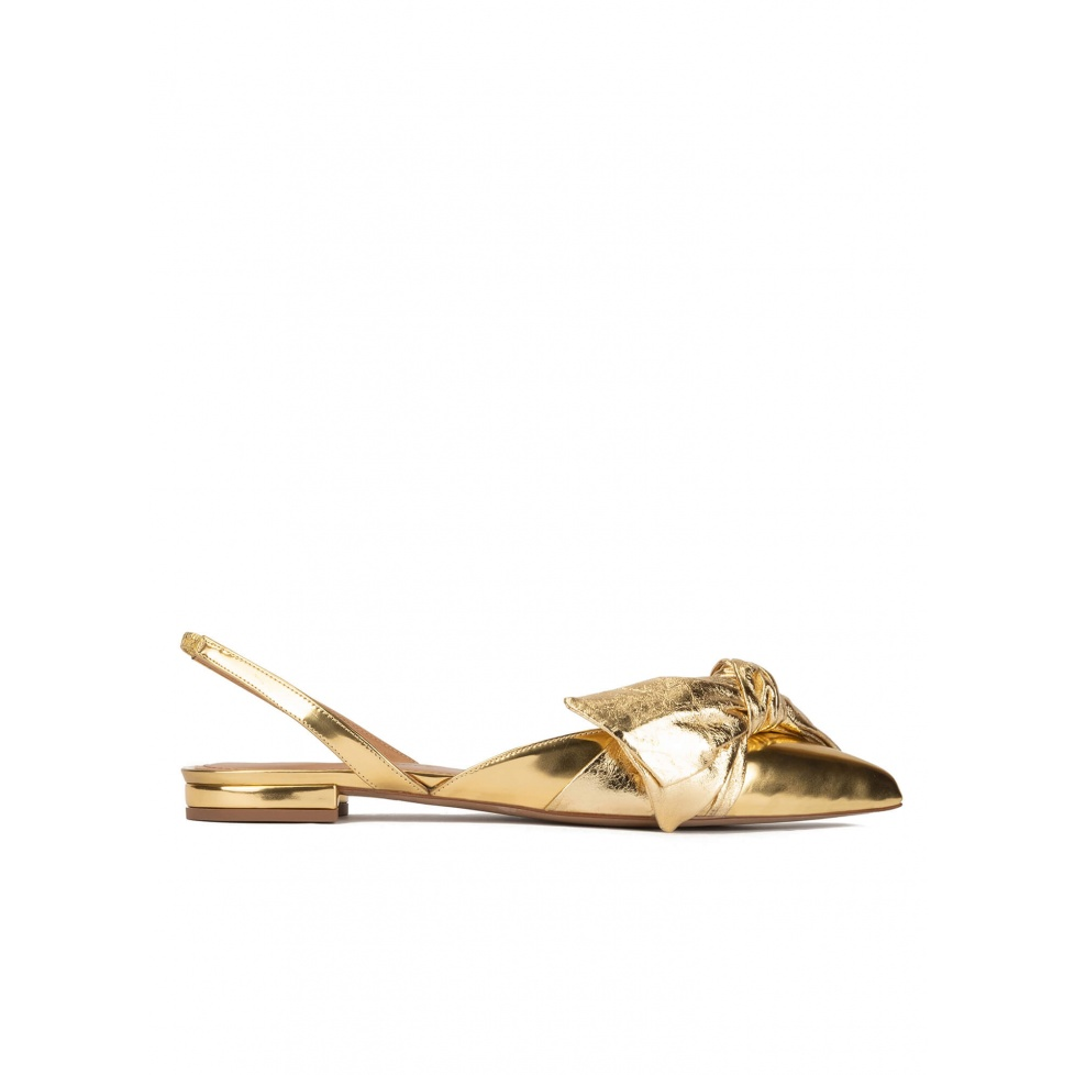 Slingback pointy toe flats in gold mirrored leather