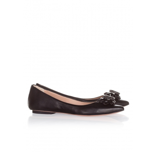 Flat shoes in black leather Pura L�pez